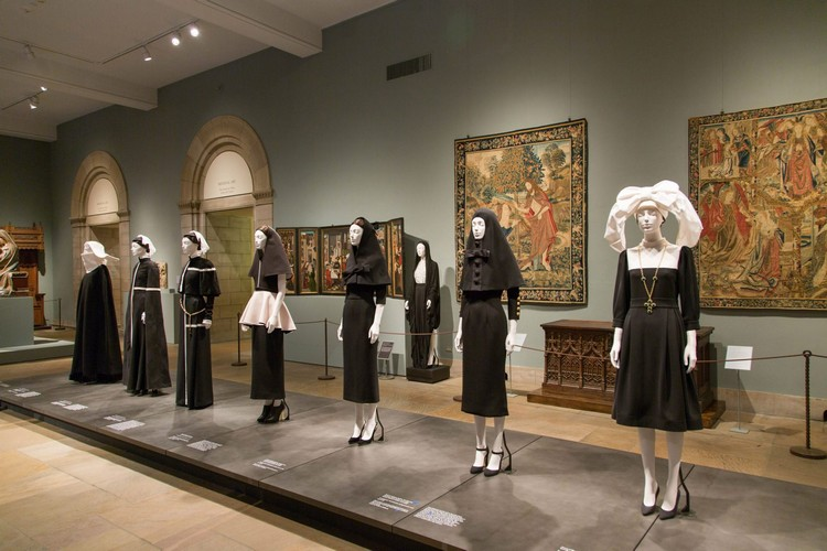 "art Met Museum's ""Heavenly Bodies"", A Dialogue Between Fashion and Art met ispirations 3"