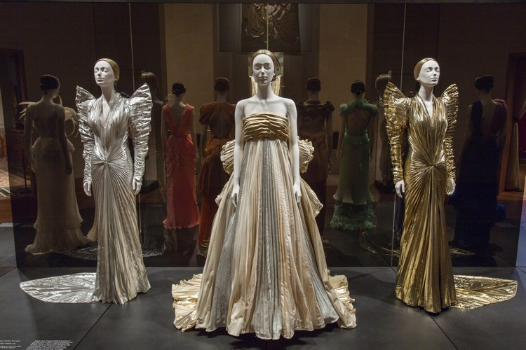 "art Met Museum's ""Heavenly Bodies"", A Dialogue Between Fashion and Art met ispirations 4"