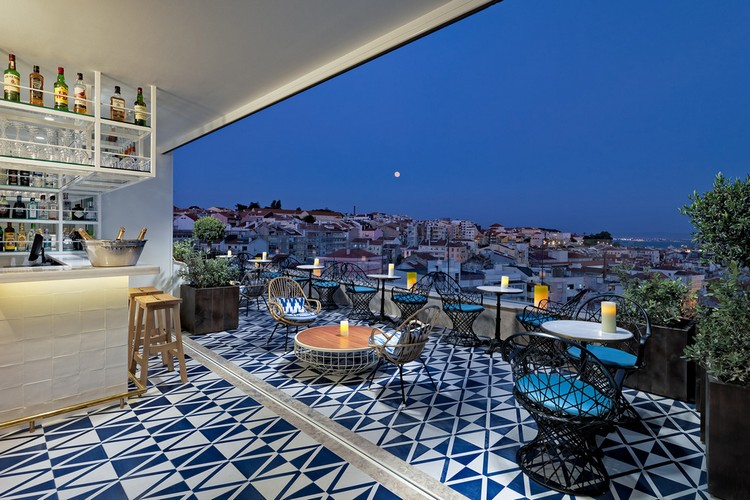 luxury hotel Hand-Painted Tiles Covered The Walls of the Luxury Hotel in Lisbon hotel lisbon inspirations 11