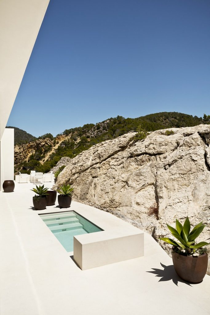 modern Between Stone, Sky, and Sea: Modern Villa in Ibiza ibiza house inspirations 8