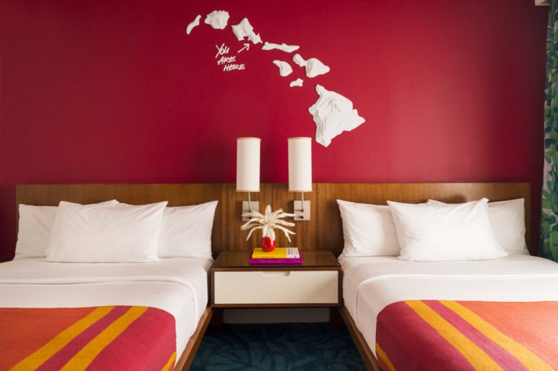 modern hotel A Tropical Explosion of Color in this Hawaiian-Inspired Modern Hotel hawai hotel inspirations 5
