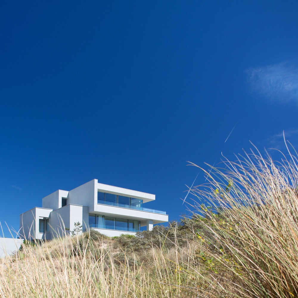 modern design Pure and Modern Design on the Belgian Coast By Olivier Dwek olivier dwek inspirations11