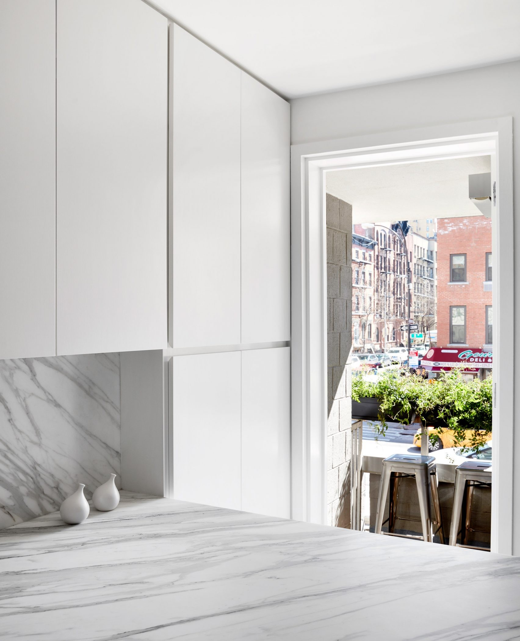 interior design Interior Design Project Brings Nature Inside This New York Apartment green design ideas inspirations8