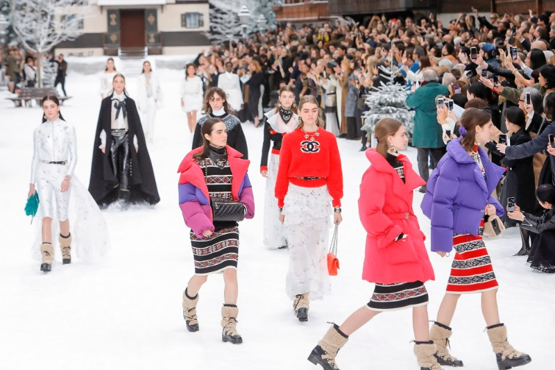 Lagerfeld's Final Chanel Show is A Flawless Winter Tale karl lagerfeld Karl Lagerfeld's Final Chanel Show Becomes A Flawless Winter Tale Lagerfelds Final Chanel Show is A Flawless Winter Tale 9