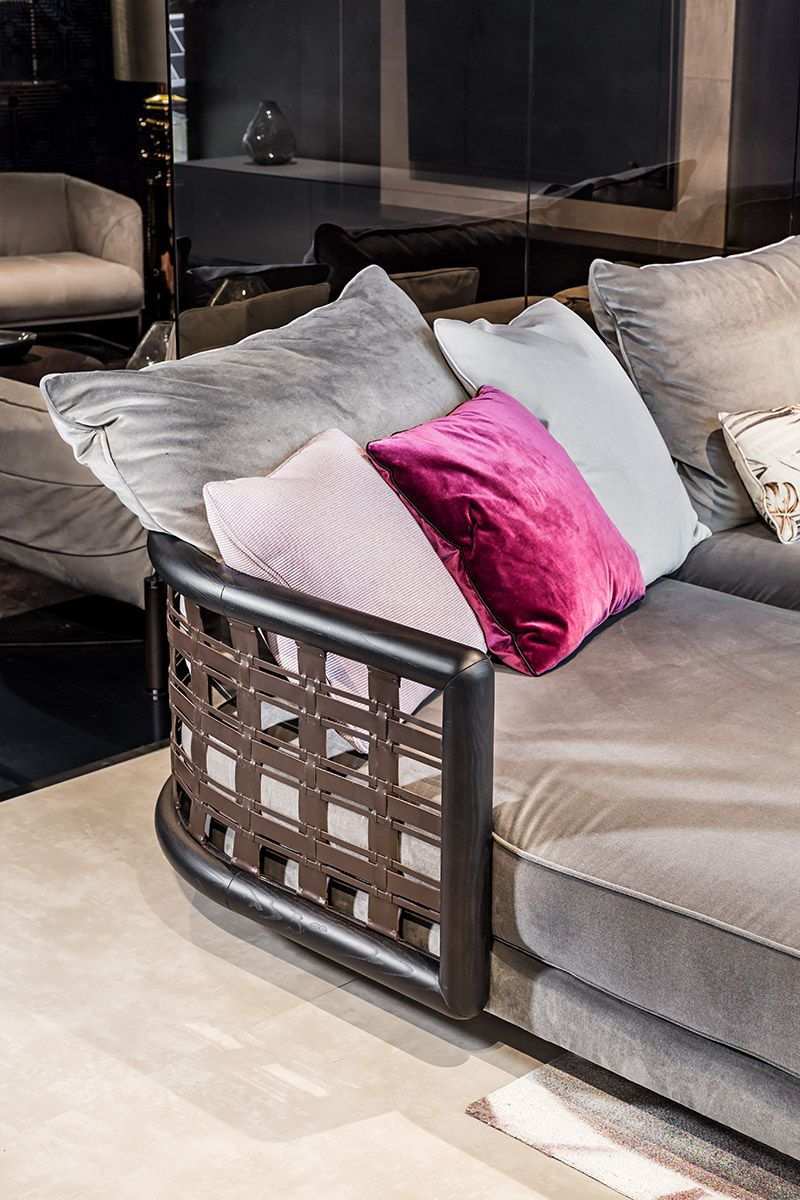 Smania's Luxury Italian Furniture - A Brand That Furnishes Your Style smania Smania's Luxury Italian Furniture – A Brand That Furnishes Your Style Luxury Italian Furniture A Brand That Furnishes Your Style 9