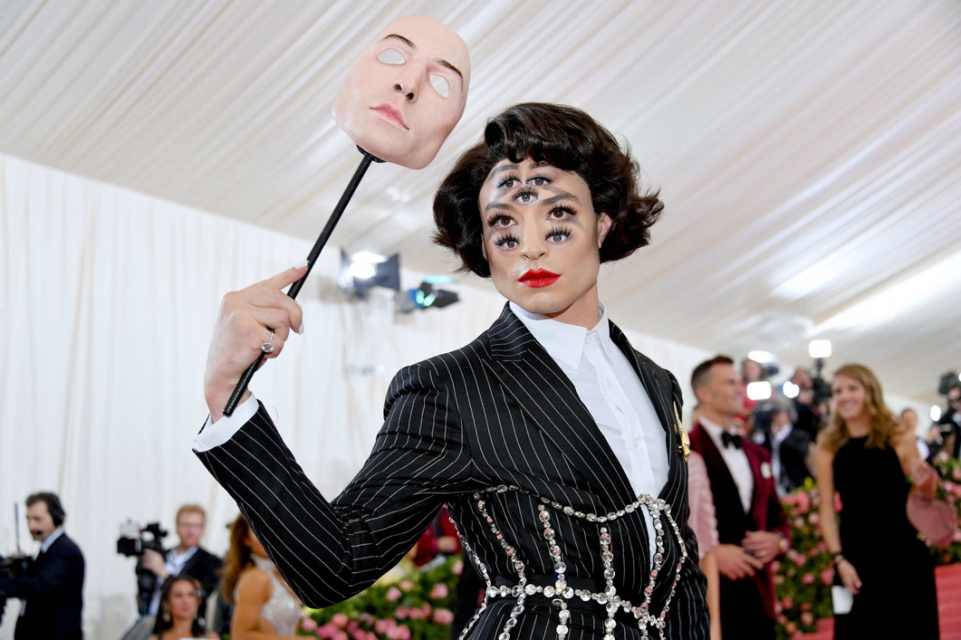 """met gala 2019 Met Gala 2019 – """"Notes On Camp"""" A Cry For Extravaganza Met Gala 2019 feature 1400x933"""
