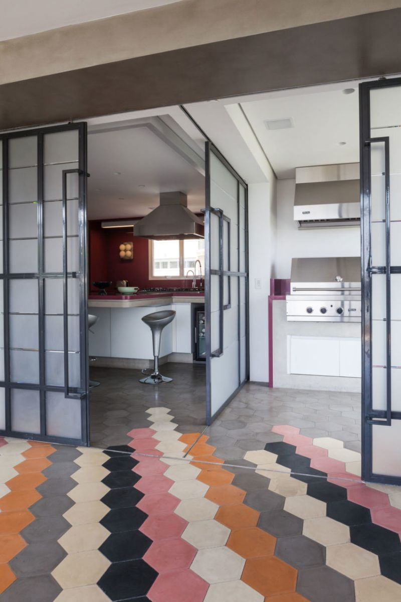 Panamby: One Apartment Filled With Colorful Details by Fabio Galeazzo fabio galeazzo Panamby: One Apartment Filled With Colorful Details by Fabio Galeazzo Panamby One Apartment Filled With Colorful Details by Fabio Galeazzo 11