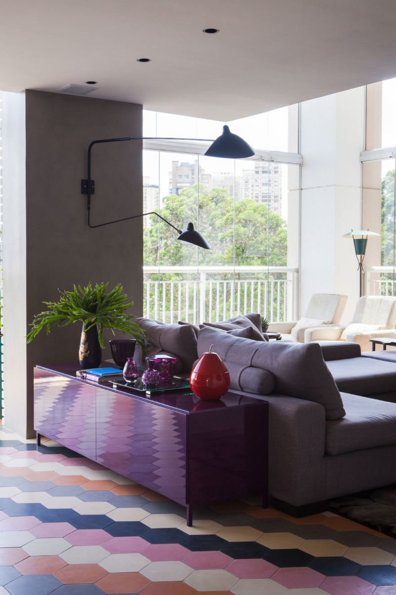 Panamby: One Apartment Filled With Colorful Details by Fabio Galeazzo fabio galeazzo Panamby: One Apartment Filled With Colorful Details by Fabio Galeazzo Panamby One Apartment Filled With Colorful Details by Fabio Galeazzo 6