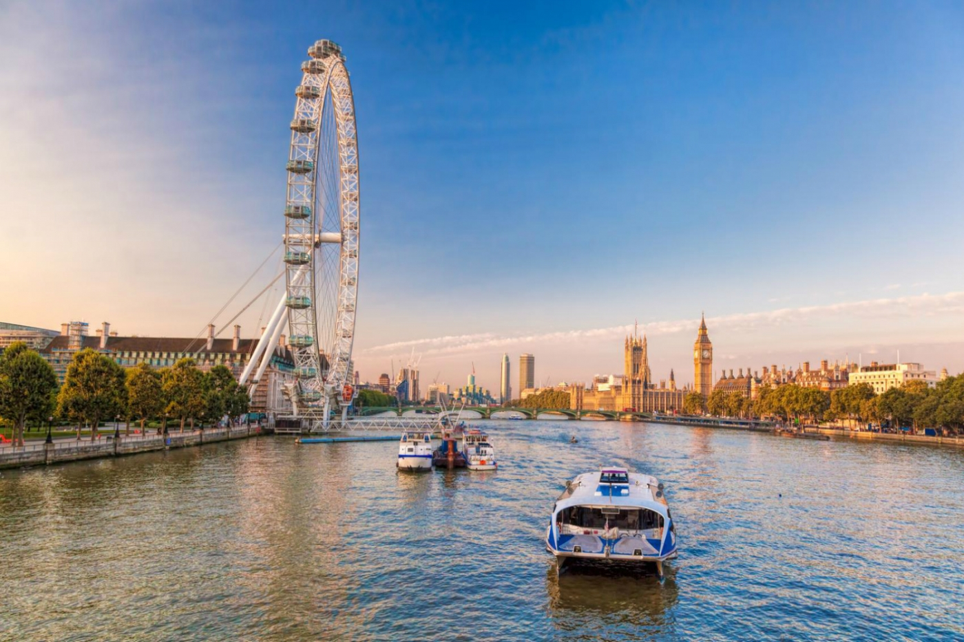 what to do in london What To Do In London – The Ultimate Design Guide For The City Of Art Featured2 1400x933