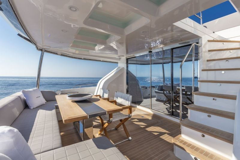 Inside Pearl 65 Superyacht: A Supreme Interior Design by Kelly Hoppen kelly hoppen Inside Pearl 65 Superyacht: A Supreme Interior Design by Kelly Hoppen Inside Pearl 65 Superyacht A Supreme Interior Design by Kelly Hoopen 15