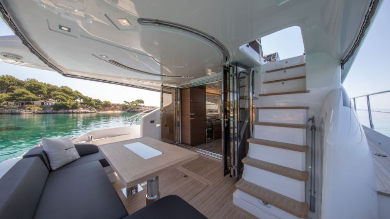 Inside Pearl 65 Superyacht: A Supreme Interior Design by Kelly Hoppen kelly hoppen Inside Pearl 65 Superyacht: A Supreme Interior Design by Kelly Hoppen Inside Pearl 65 Superyacht A Supreme Interior Design by Kelly Hoopen 17