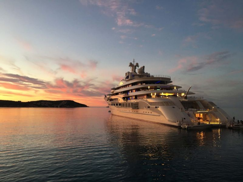 Pure Symbols Of Sophistication: Here Are The Most Unique Superyachts superyachts Pure Symbols Of Sophistication: Here Are The Most Unique Superyachts dilbar1