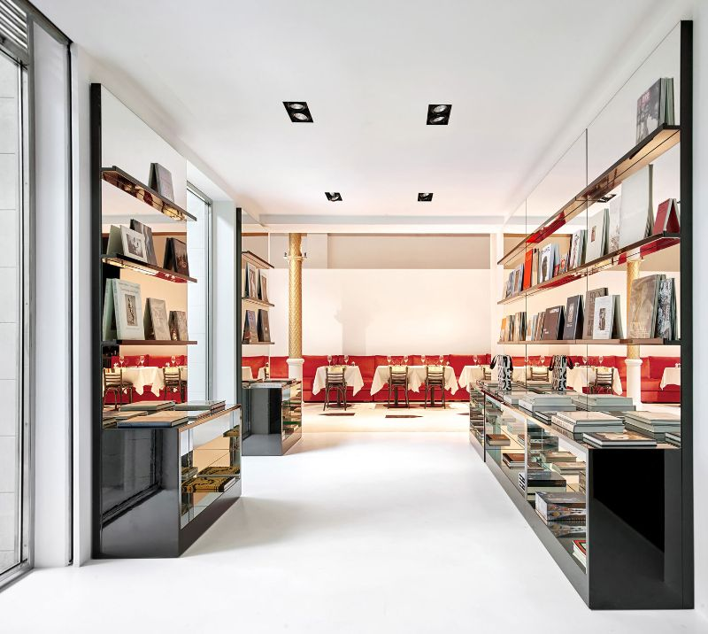 Barcelona's New Concept Store: Palatial Interiors with A Modern Design modern design Barcelona's New Concept Store: Palatial Interiors with A Modern Design Barcelonas New Concept Store Palatial Interiors with A ModernDesign 10