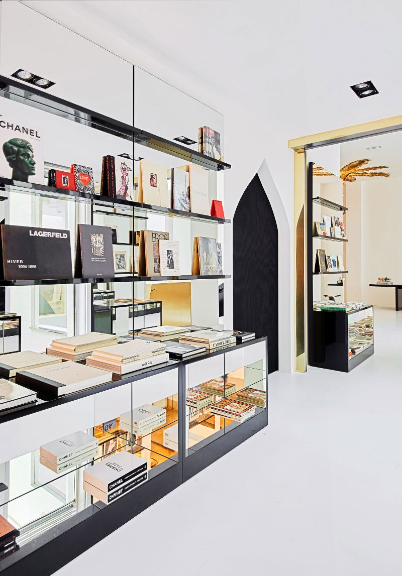 Barcelona's New Concept Store: Palatial Interiors with A Modern Design modern design Barcelona's New Concept Store: Palatial Interiors with A Modern Design Barcelonas New Concept Store Palatial Interiors with A ModernDesign 11