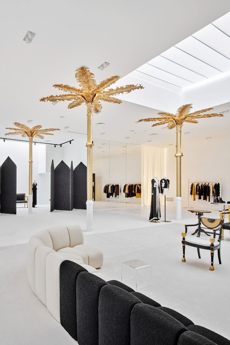 Barcelona's New Concept Store: Palatial Interiors with A Modern Design modern design Barcelona's New Concept Store: Palatial Interiors with A Modern Design Barcelonas New Concept Store Palatial Interiors with A ModernDesign 6