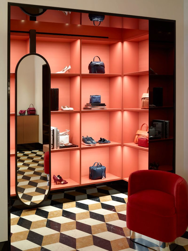 The Most Feminine and Opulent Walk In Closets For A Luxury Home walk-in closets The Most Feminine and Opulent Walk-In Closets For A Luxury Home The Most Feminine and Opulent Walk In Closets For A Luxury Home 11