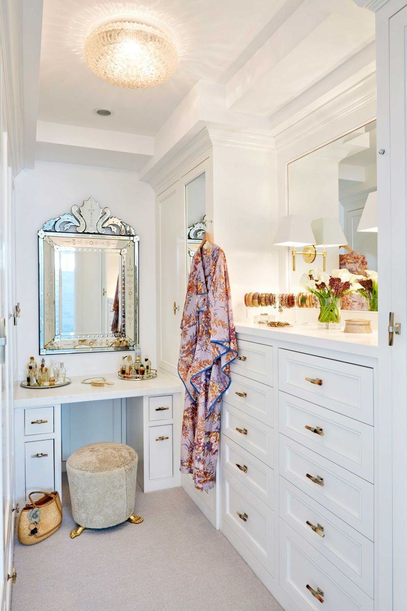 The Most Feminine and Opulent Walk In Closets For A Luxury Home walk-in closets The Most Feminine and Opulent Walk-In Closets For A Luxury Home The Most Feminine and Opulent Walk In Closets For A Luxury Home 4