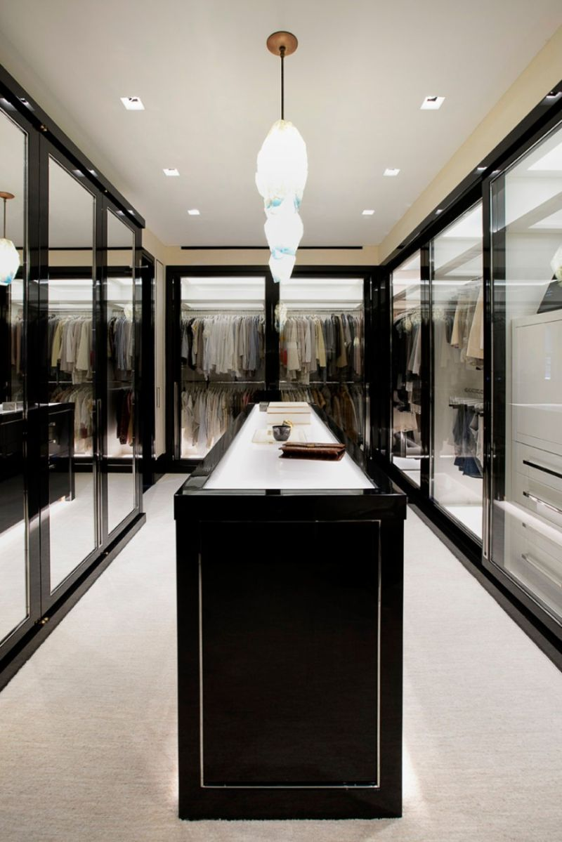 The Most Feminine and Opulent Walk In Closets For A Luxury Home walk-in closets The Most Feminine and Opulent Walk-In Closets For A Luxury Home The Most Feminine and Opulent Walk In Closets For A Luxury Home 8 1