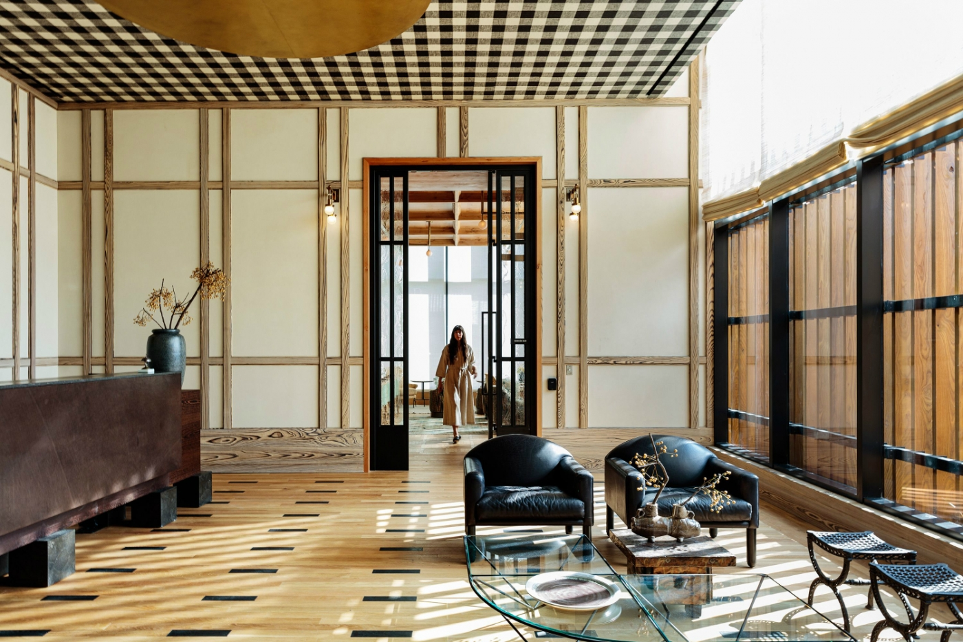 kelly wearstler Kelly Wearstler's New Proper Hotel & Residence With Layered Interiors feature 7 1400x933