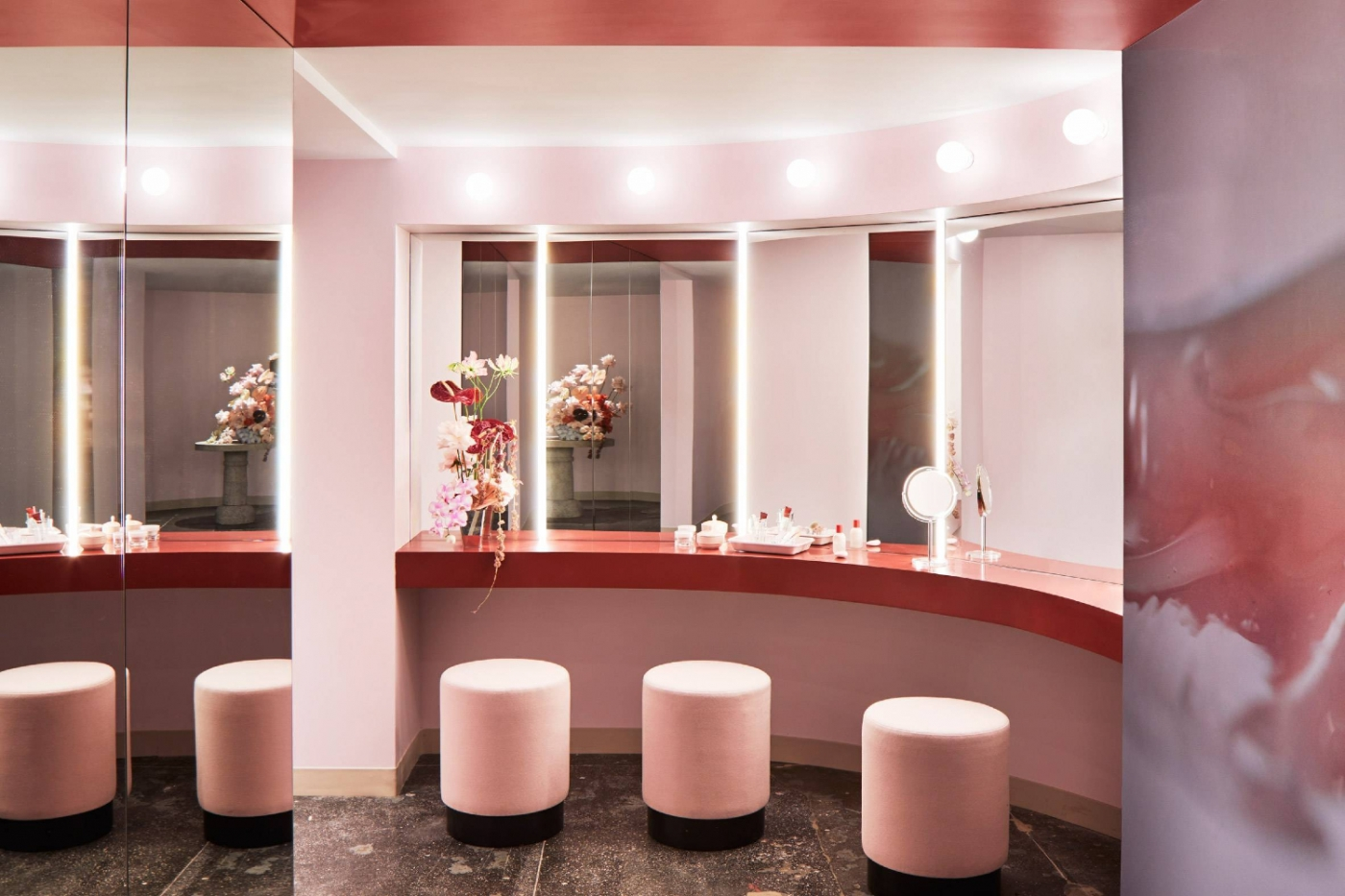 walk-in closets The Most Feminine and Opulent Walk-In Closets For A Luxury Home freature 1400x933