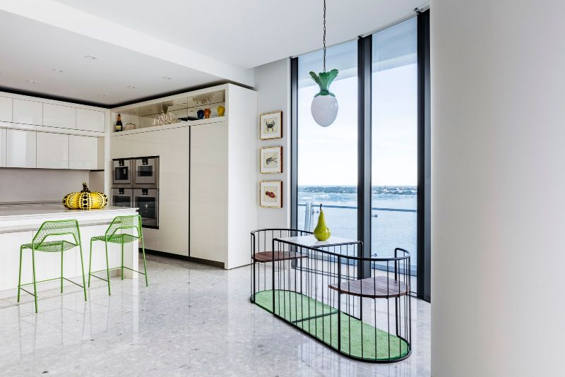 Harry Heissmann Crafts The Ultimate Waterfront Filled With Modern Art harry heissmann Modern Art Takes Centre Stage In This Harry Heissmann Luxury Home HarryHeissmann Crafts The Ultimate Waterfront Filled With Modern Art 5