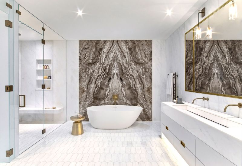 Incredible Bathroom Design Trends For 2021 bathroom design trends Incredible Bathroom Design Trends For 2021 Unraveling Marbles Splendid Duality in LuxuryInteriors 12