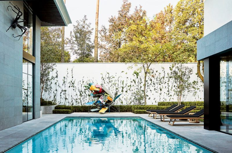 Modern Art By The Poolside: Colorful Summer Ideas To Get Refreshed modern art Dive Into Modern Art By The Pool: Summer Ideas To Get You Refreshed Amazing Pools That Epitomize Your Luxury Outdoor Living at Its Finest