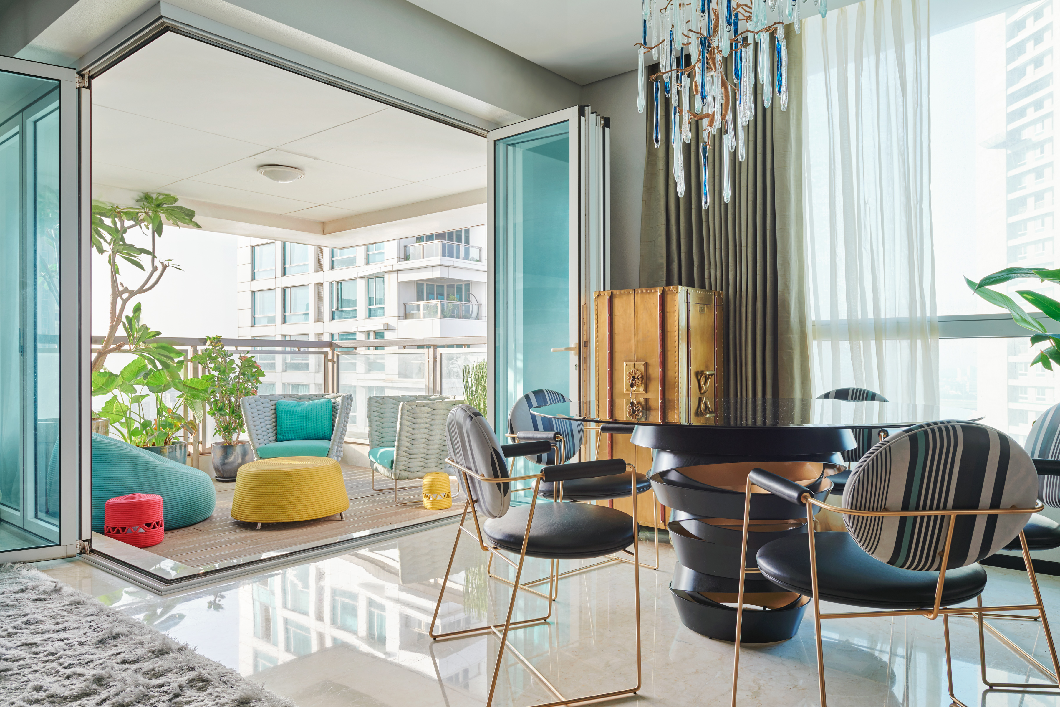 A Luxury Apartment That Magnifies The Exclusive Lifestyle Experience luxury apartment A Luxury Apartment That Magnifies The Exclusive Lifestyle Experience A Luxury Apartment That Magnifies The Exclusive Lifestyle Experience 11