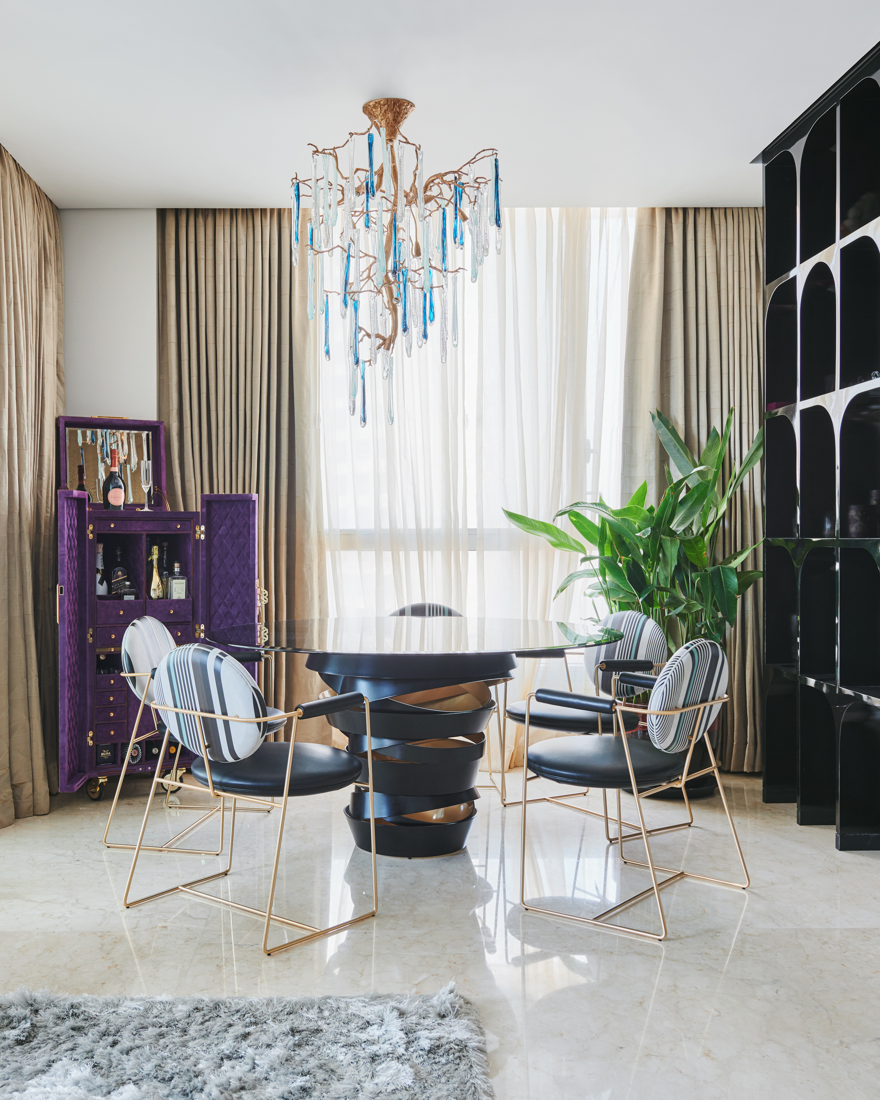 A Luxury Apartment That Magnifies The Exclusive Lifestyle Experience luxury apartment A Luxury Apartment That Magnifies The Exclusive Lifestyle Experience A Luxury Apartment That Magnifies The Exclusive Lifestyle Experience 16