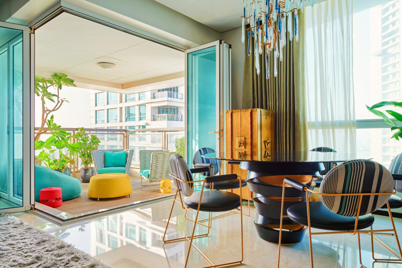 luxury apartment A Luxury Apartment That Magnifies The Exclusive Lifestyle Experience A Luxury Apartment That Magnifies The Exclusive Lifestyle Experience feature image 1400x933
