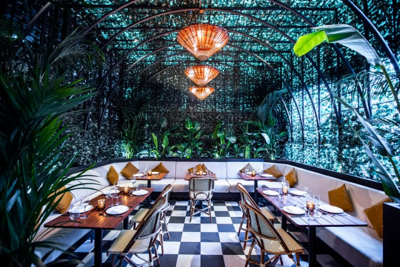 Dubai's Top 10 Luxury Restaurants For One Thousand and One Experiences luxury restaurants Dubai's Top 10 Luxury Restaurants For One Thousand and One Experiences Dubais Top 10 Luxury Restaurants For One Thousand and One Experiences 8
