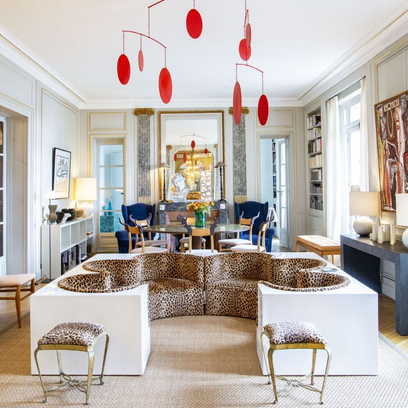 Get The Look Of An Imposing and Multilayered Paris Luxury Apartment luxury apartment A Luxury Apartment In The Heart Of Paris With A Coveted Art Collection Get The Look Of An Imposing and Multilayered Paris Luxury Apartment 2