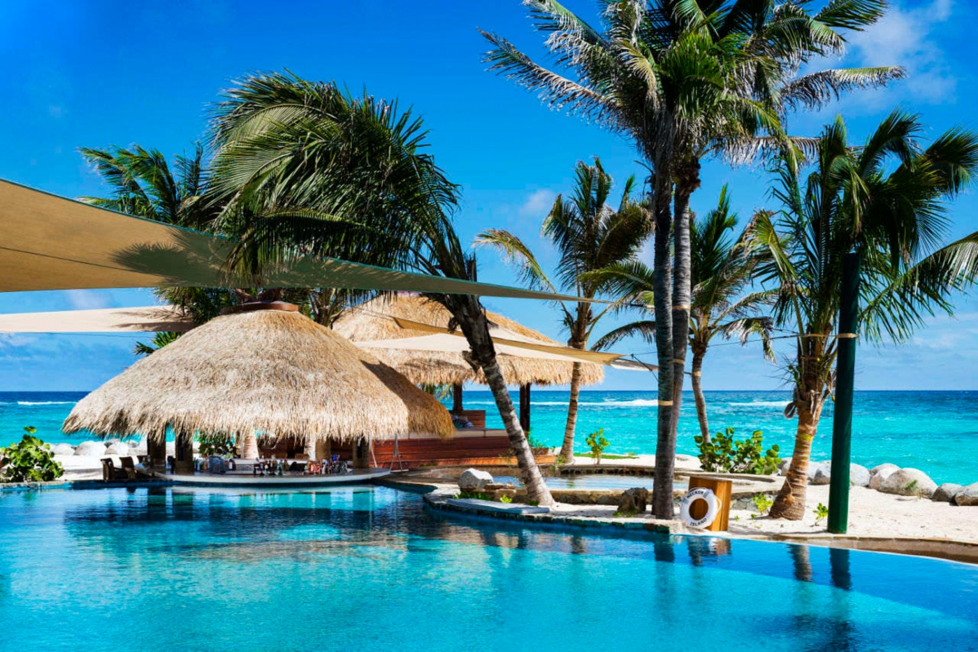 Luxury Destinations: Five Vacation Spots That Will Blow Your Mind feature image 43 1400x933