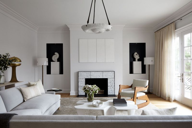 Sara Story Designs A Luxury Home That Balances Sophistication and Art sara story Sara Story Designs A Luxury Home That Balances Sophistication and Art Sara Story Designs A Luxury Home That Balances Sophistication and Art 6