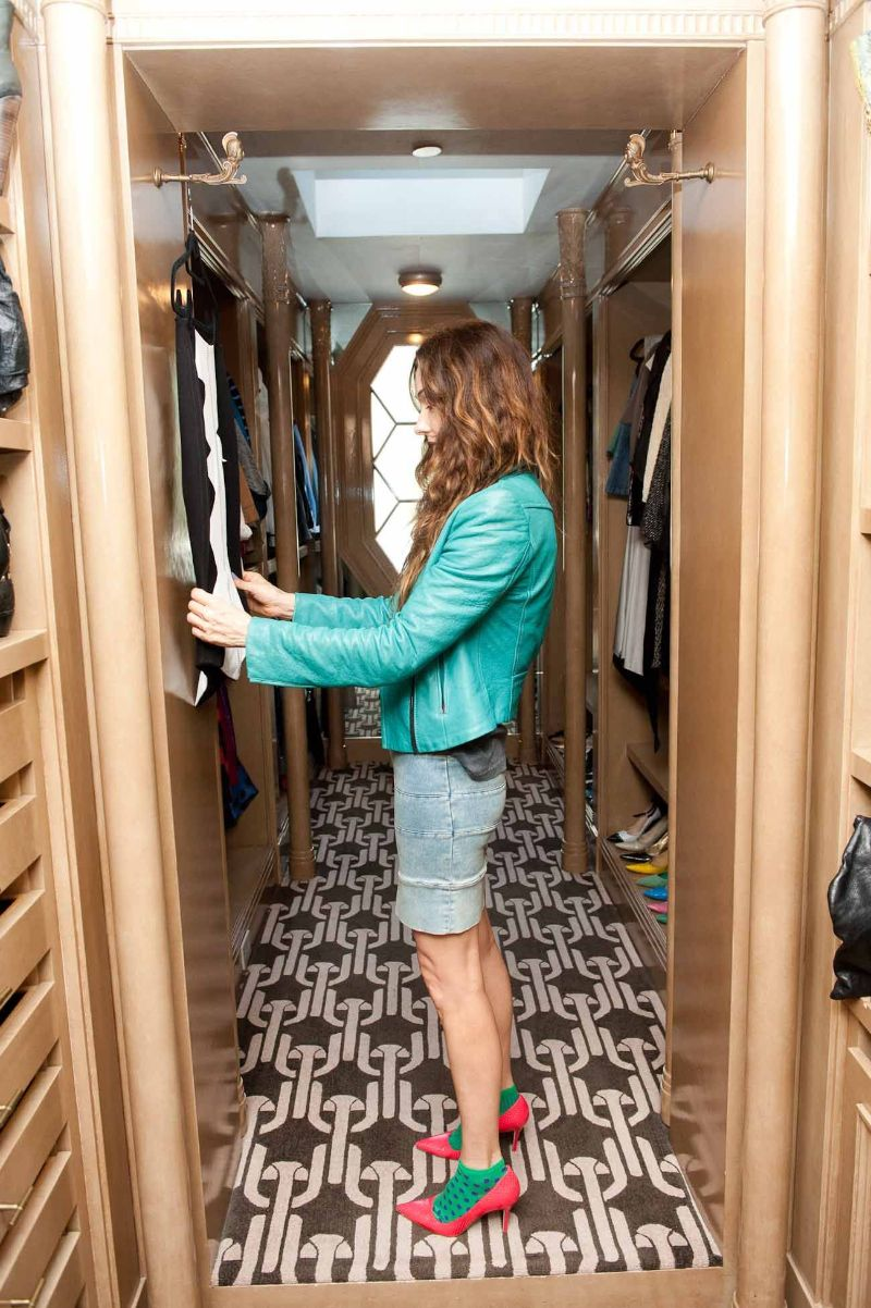 Walk-In Closets Of Your Dreams: Intimate and Elegant Spaces For You walk-in closets Walk-In Closets Of Your Dreams: Intimate and Elegant Spaces For You Walk In Closets Of Your Dreams Intimate and Elegant Spaces For You 4