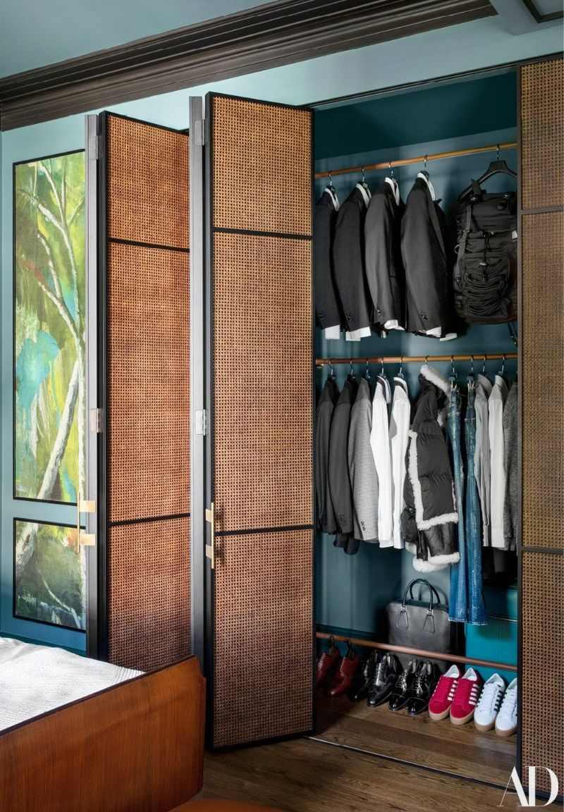 Walk-In Closets Of Your Dreams: Intimate and Elegant Spaces For You walk-in closets Dreamy Walk-In Closets That Will Elevate Your Entire Bedroom Design Walk In Closets Of Your Dreams Intimate and Elegant Spaces For You 5