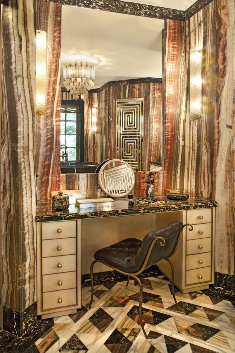 Walk-In Closets Of Your Dreams: Intimate and Elegant Spaces For You walk-in closets Dreamy Walk-In Closets That Will Elevate Your Entire Bedroom Design Walk In Closets Of Your Dreams Intimate and Elegant Spaces For You