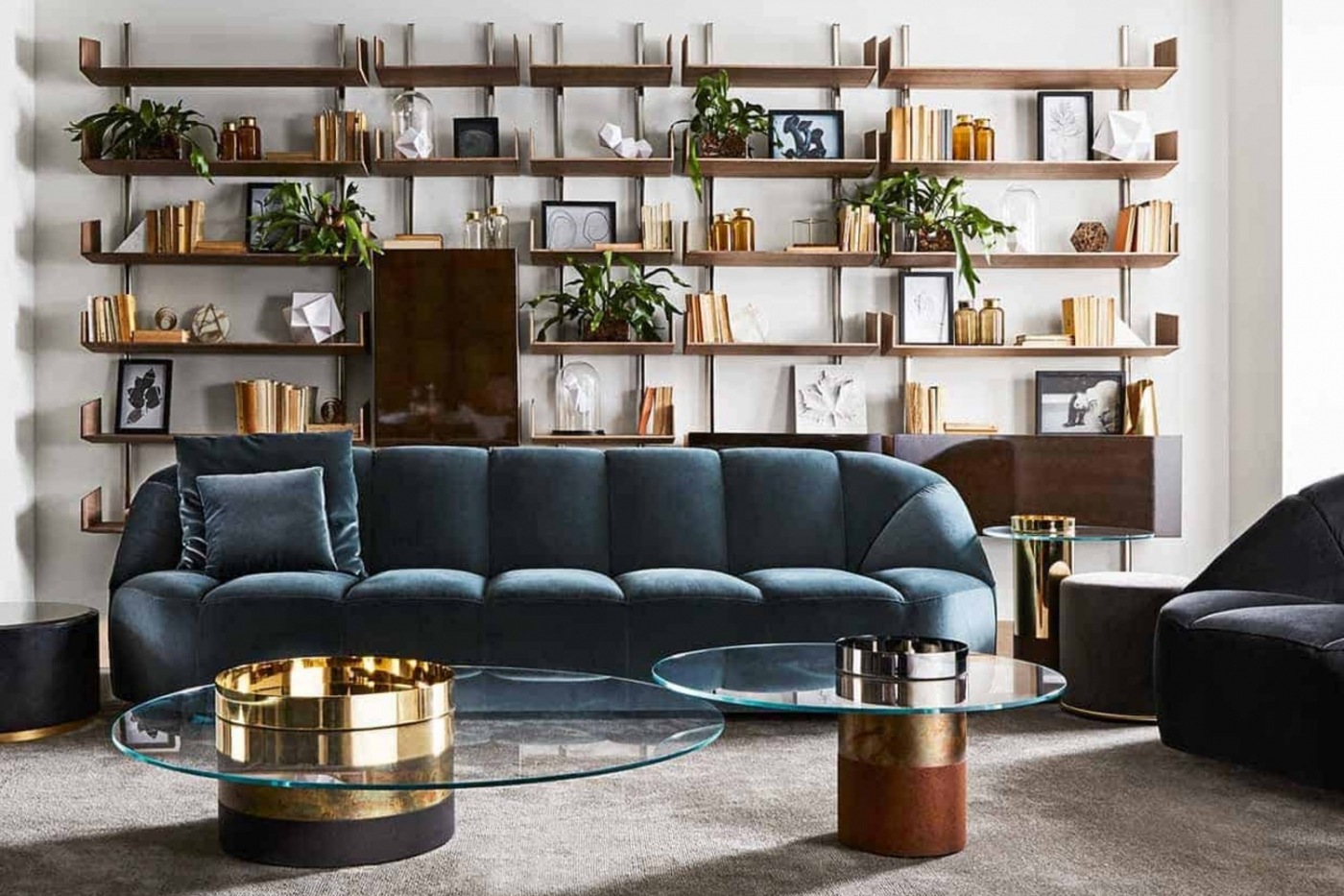 Where To Shop - The Best Luxury Showrooms In Dubai ft luxury showroom Where To Shop – The Best Luxury Showrooms In Dubai Where To Shop The Best Luxury Showrooms In Dubai ft 2 1400x933