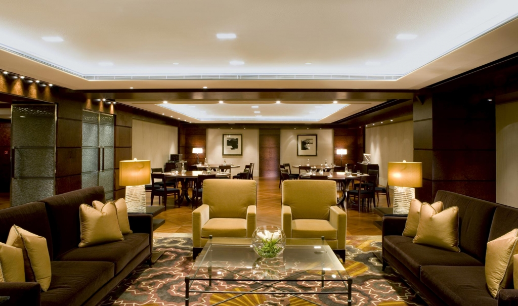 interior design project Discover The Best And Most Inspiring Interior Design Projects In Hong Kong grand hyatt hong kong service apartments 2 1024x605