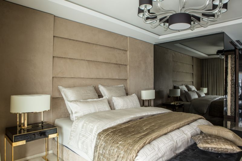 french apartment A French Apartment That Overlooks The Dazzling Port Of Cannes An Opulent French Apartment That Overlooks The Port Of Cannes 10