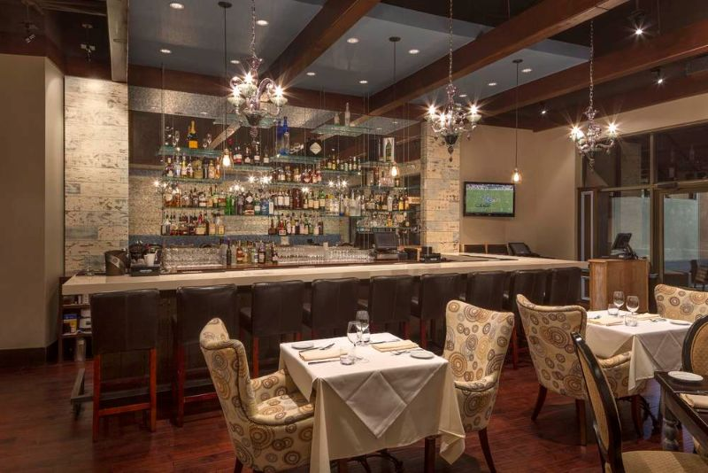 Luxury Restaurants In Houston - And Why You Should Go There luxury restaurant Luxury Restaurants In Houston, And Why You Should Go There etoile