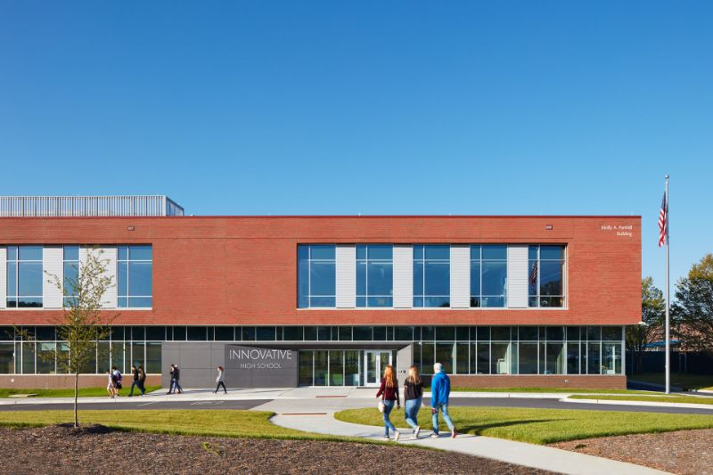 10 Exciting Architectural Buildings From Clark Nexsen clark nexsen 10 Exciting Architectural Buildings From Clark Nexsen Innovative High Schools 008 1920x1280 1