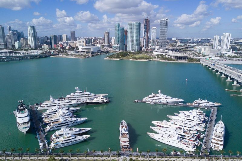 luxury yacht Luxury Yachts By The Sea – Where You Should Keep Your Yacht In Miami islands garden