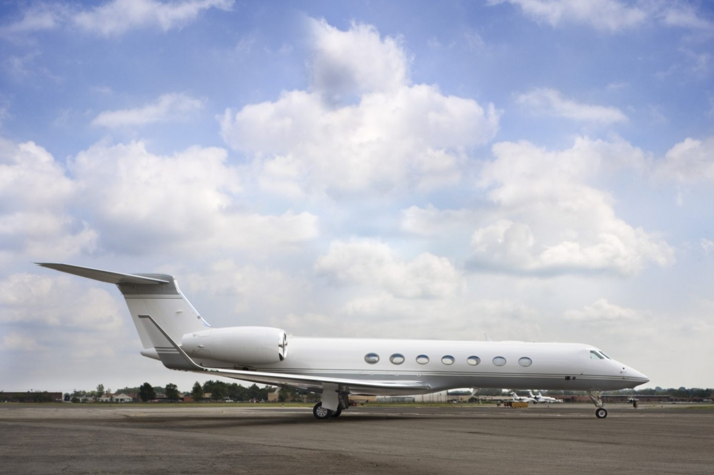 luxury private jets Luxury Private Jets by SheltonMindel℠ 1038 07A 4 1440x935 1 1400x933