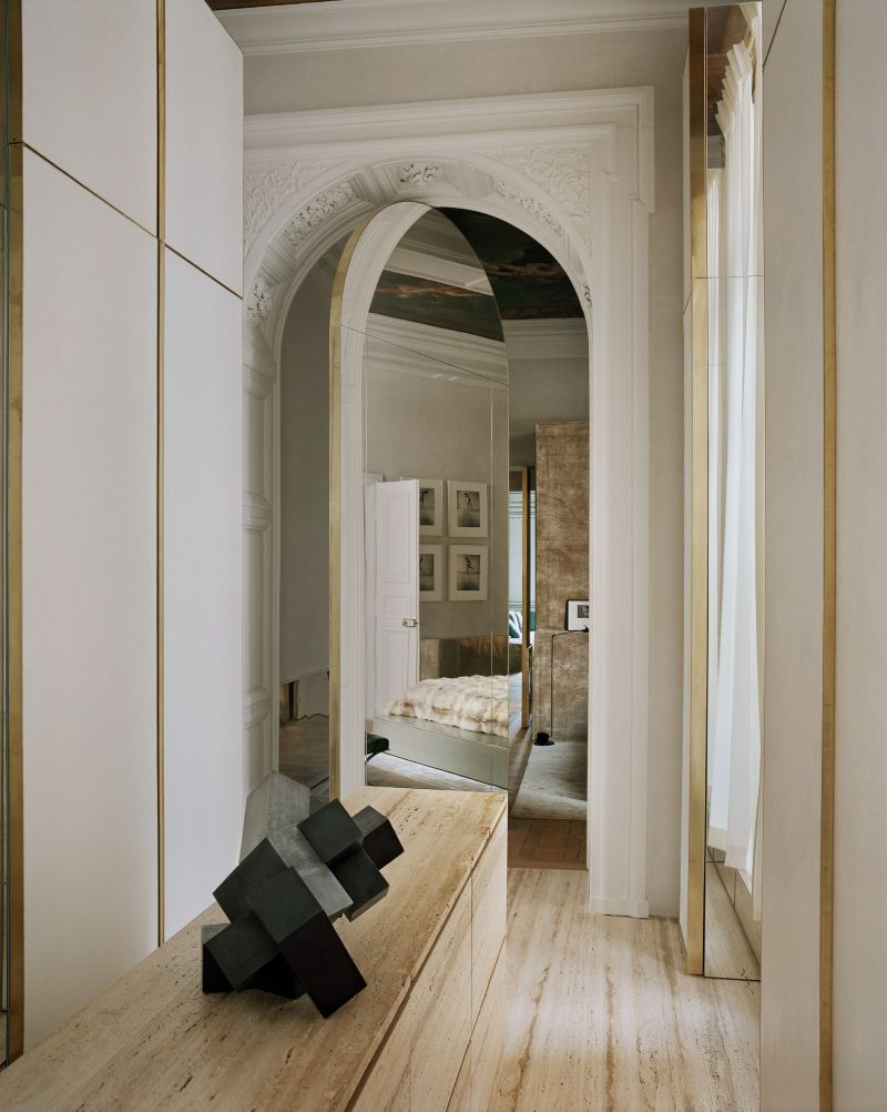 Vincenzo De Cotiis Mixes Old And New In Luxury Paris Apartment Vincenzo De Cotiis Mixes Old And New In Luxury Paris Apartment 10