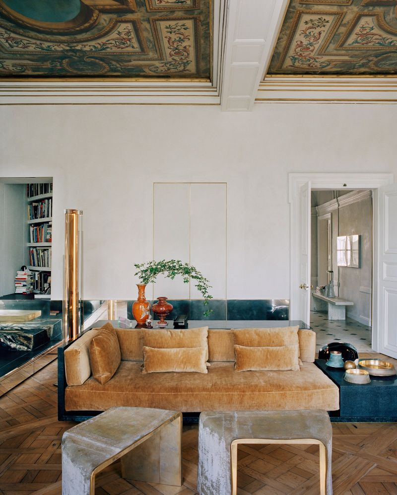 Vincenzo De Cotiis Mixes Old And New In Luxury Paris Apartment Vincenzo De Cotiis Mixes Old And New In Luxury Paris Apartment 12