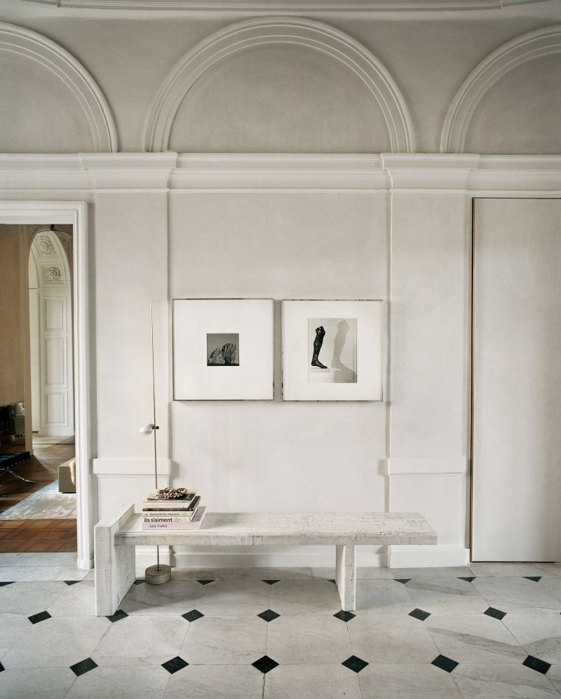 Vincenzo De Cotiis Mixes Old And New In Luxury Paris Apartment Vincenzo De Cotiis Mixes Old And New In Luxury Paris Apartment 14