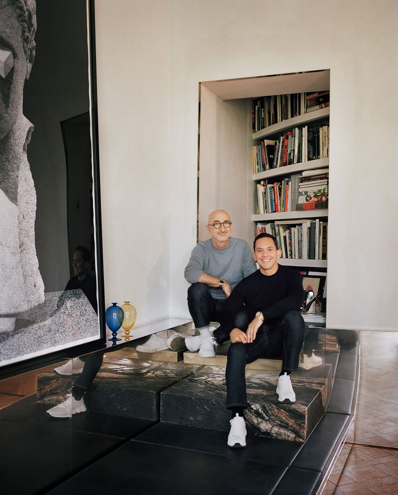 Vincenzo De Cotiis Mixes Old And New In Luxury Paris Apartment Vincenzo De Cotiis Mixes Old And New In Luxury Paris Apartment 6