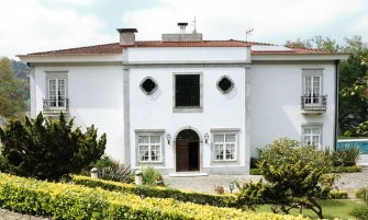 douro valley Covet House celebrates 1 Year in Douro Valley covet house 335x201