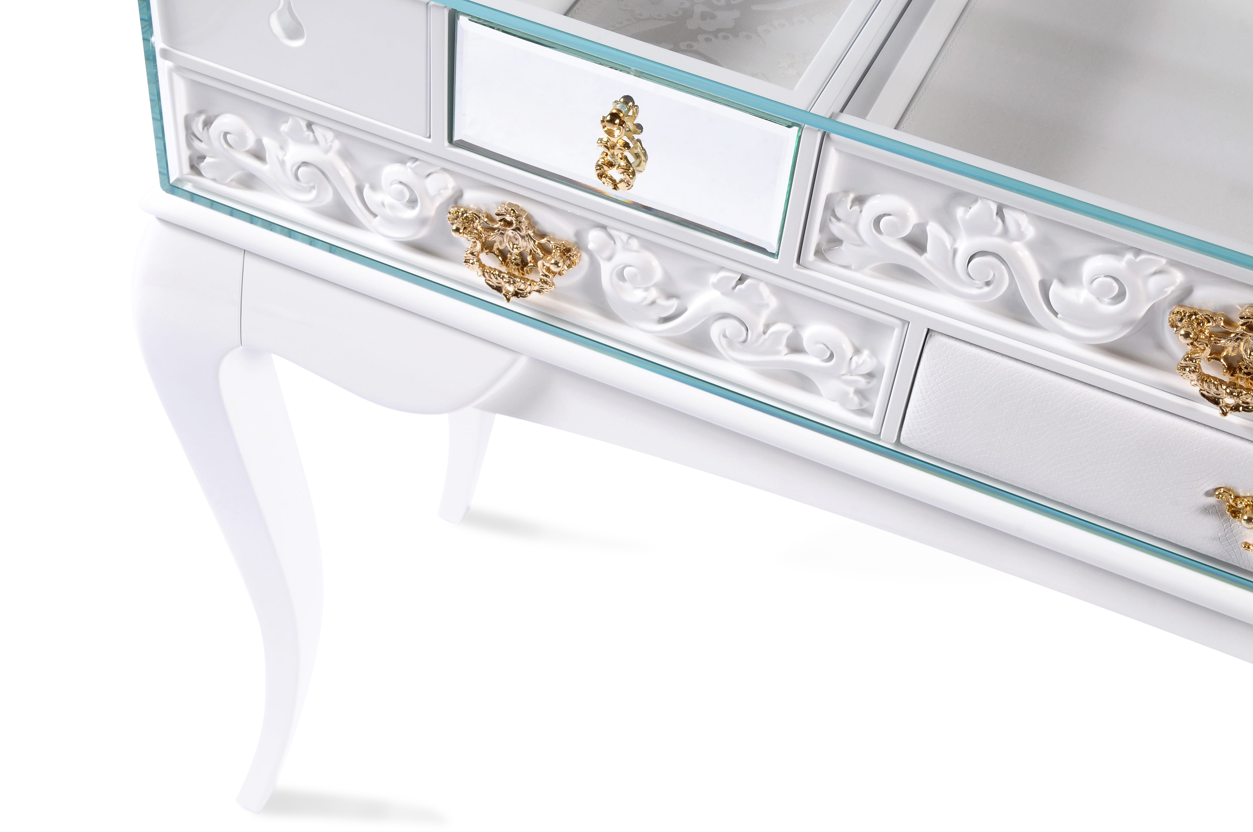 Boca do Lobo York Console White hamptons look Get the Hamptons Look with These Gorgeous Console Tables york 03
